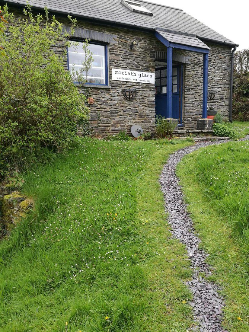 the approach to the studio through the garden